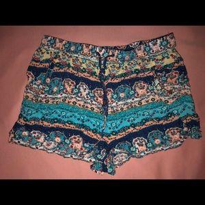 Pants - Flowy Patterned Shorts